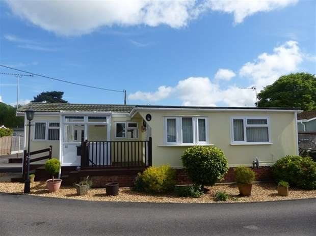 1 Bedroom Mobile Home for sale in Whitfield Close, Warminster