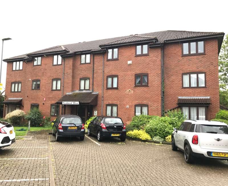 3 Bedrooms Flat for sale in Goodwood Close, Stanmore, Middlesex, HA7 4HX