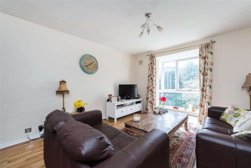 1 Bedroom Apartment Flat for sale in Hogarth Court, Fountain Drive, London