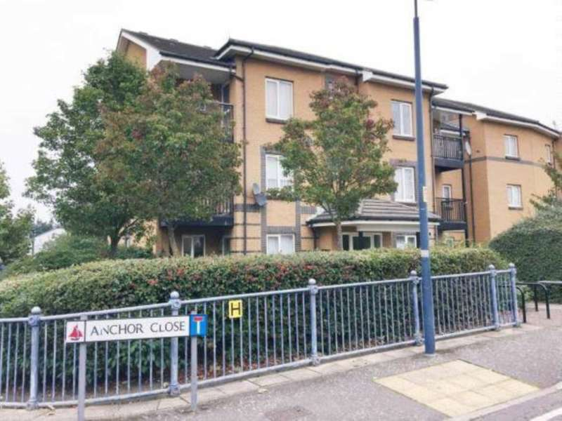 2 Bedrooms Flat for sale in Anchor Close, Barking