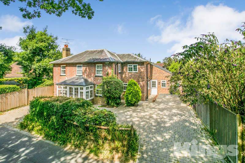 4 Bedrooms Detached House for sale in Coldharbour Lane, Hildenborough, Tonbridge