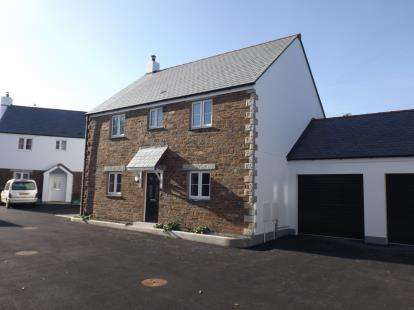 4 Bedrooms Detached House for sale in Plain-An-Gwarry, Redruth