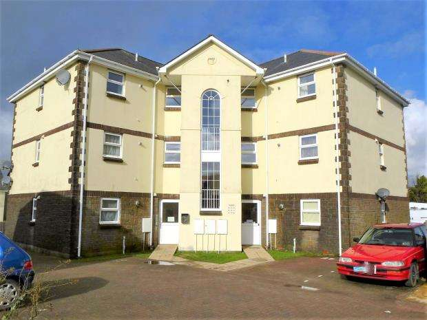 2 Bedrooms Flat for sale in Harris Close, Kelly Bray, Callington, Cornwall