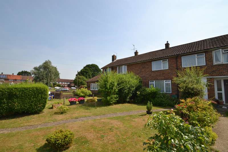 3 Bedrooms Terraced House for sale in Taynton Drive, Merstham, Surrey, RH1 3PS