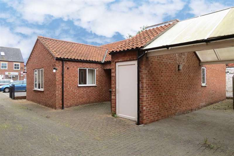 3 Bedrooms Detached Bungalow for sale in Carre Street, Sleaford