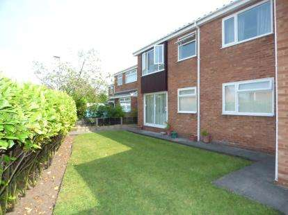 2 Bedrooms Flat for sale in Church Court, Church Close, Formby, Merseyside, L37