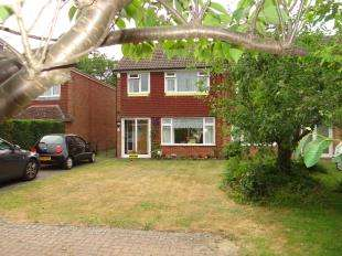 3 Bedrooms Semi Detached House for sale in Hackington Road, Tyler Hill, Canterbury, Kent