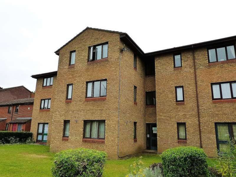 1 Bedroom Retirement Property for sale in Woodlea Court, Verona Close, Cowley, UB8 2LJ