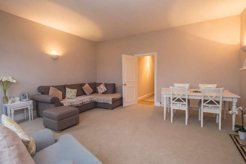 2 Bedrooms Flat for sale in Gleneldon Road, Streatham, London, SW16