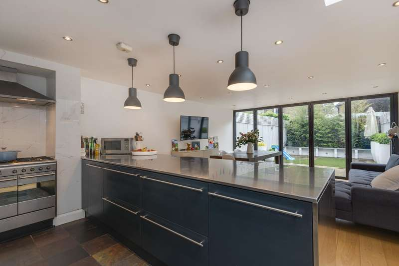 5 Bedrooms House for sale in Sumatra Road, West Hampstead