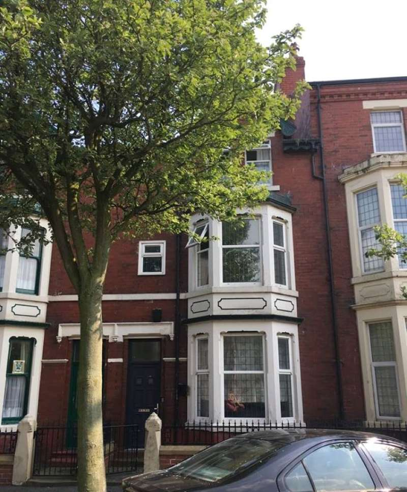 1 Bedroom Flat for sale in Flat 5, Bold Street, Fleetwood, Lancashire, FY7 6HL