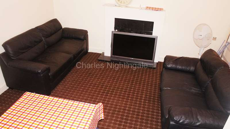 2 Bedrooms Terraced House for sale in Worsley Street, Rochdale, Greater Manchester. OL16 5DJ