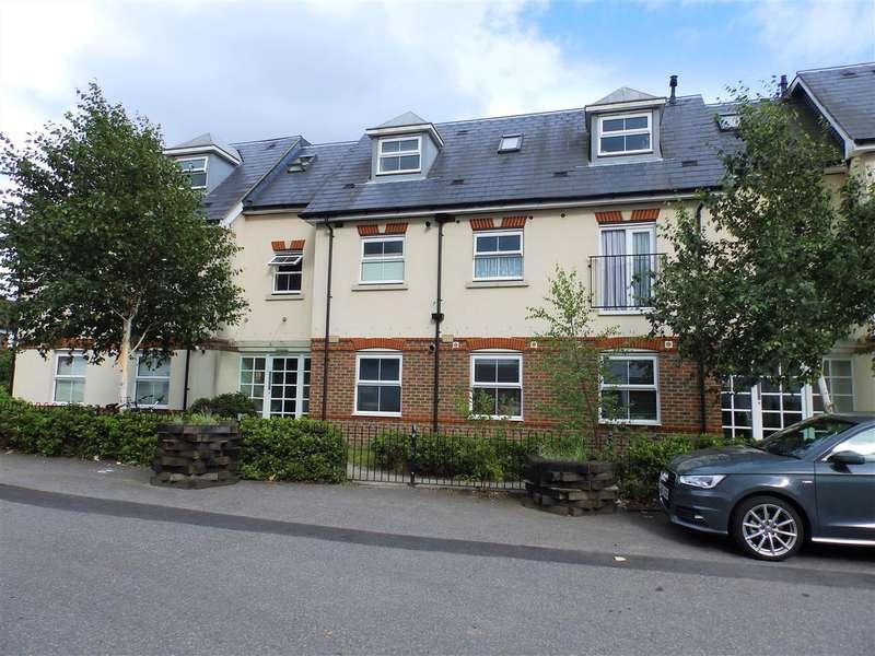 2 Bedrooms Apartment Flat for sale in Jarrat Court, Brighton Road, Horsham