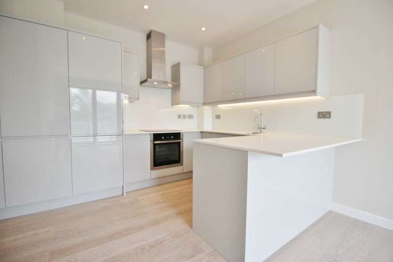 2 Bedrooms Apartment Flat for sale in Station Road, High Barnet