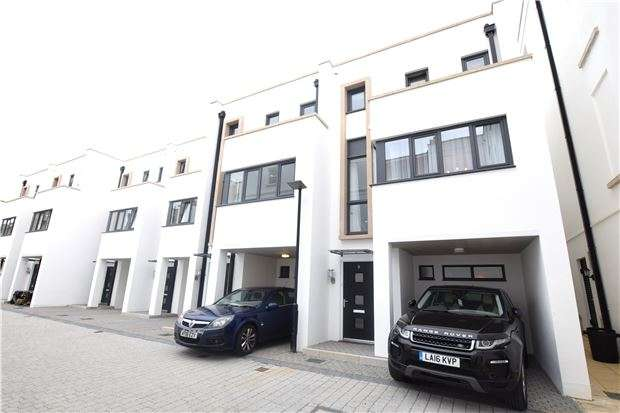 3 Bedrooms End Of Terrace House for sale in Winchcombe Street, CHELTENHAM, Gloucestershire, GL52 2LZ