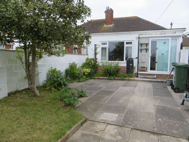 3 Bedrooms Bungalow for sale in Central Avenue, Exeter