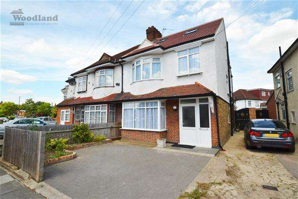 4 Bedrooms Semi Detached House for sale in Upper Sutton Lane, Hounslow