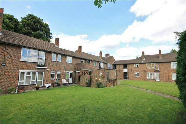 3 Bedrooms Maisonette Flat for sale in Syon Lane, Isleworth, Middlesex