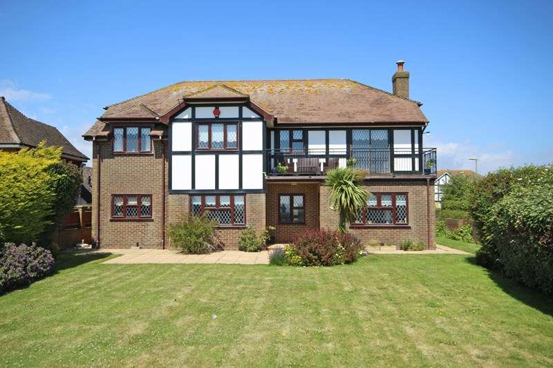5 Bedrooms Detached House for sale in Marine Drive, Barton On Sea, New Milton