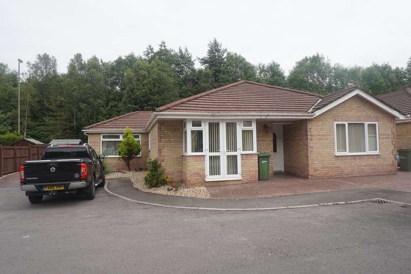 4 Bedrooms Detached House for sale in St Davids Park, New Tredegar, NP24