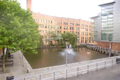 2 Bedrooms Flat for rent in Chepstow House, City Centre, M1