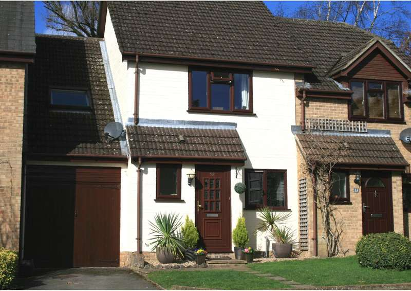 3 Bedrooms Semi Detached House for sale in NORTH ASCOT - A well presented modern 3 Bed Family Home with Garden & Garage in a desirable location