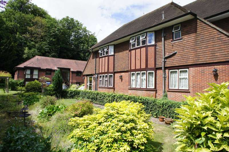 1 Bedroom Apartment Flat for sale in Woodrow Court, Caversham