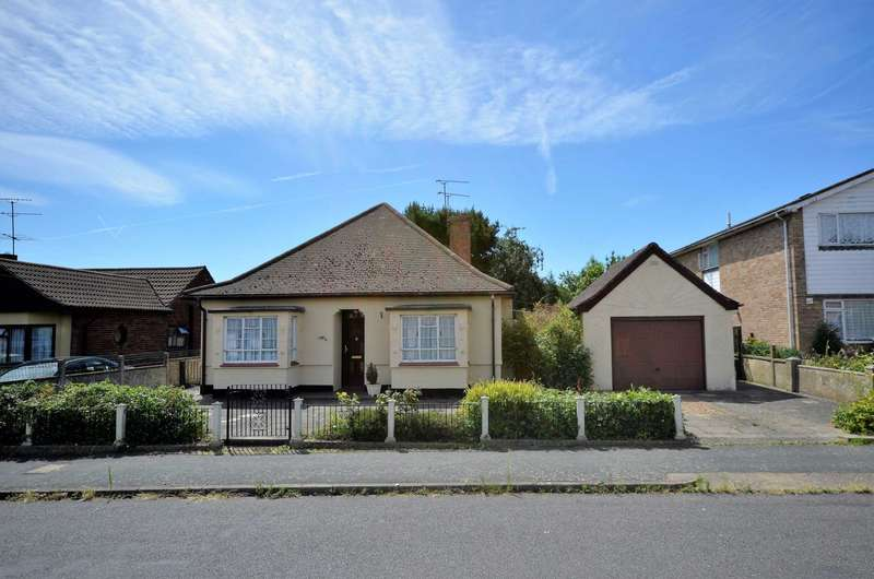 3 Bedrooms Detached Bungalow for sale in New Century Road, Basildon