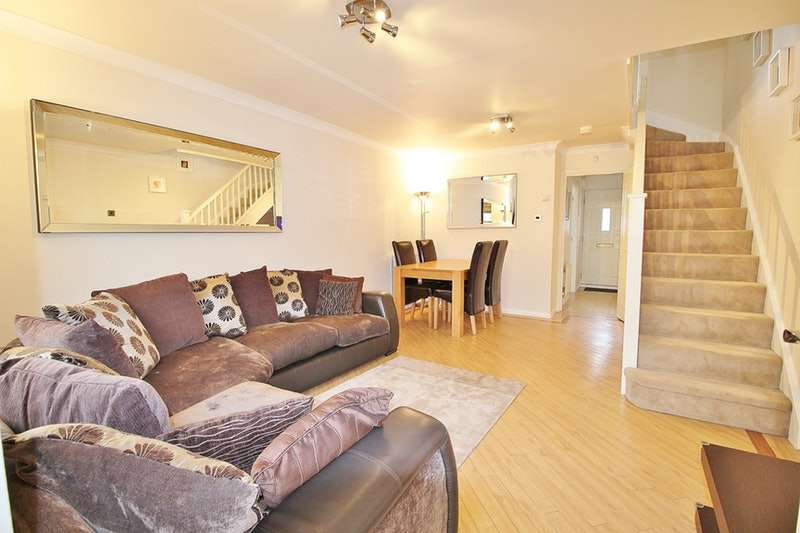 2 Bedrooms Terraced House for sale in Simpson Close, London, London, N21