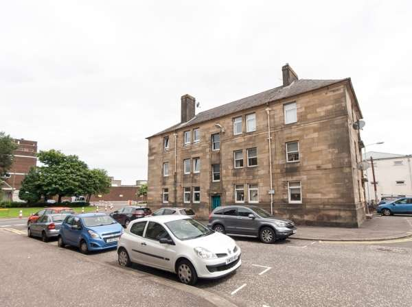 3 Bedrooms Flat for sale in 1c Buccleugh Street, Greenock