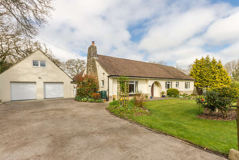 4 Bedrooms Detached Bungalow for sale in Ashley, Ringwood, Hampshire