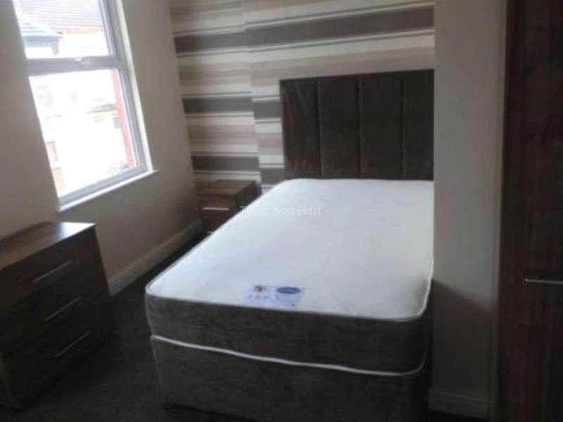 2 Bedrooms House Share for rent in Bradfield Street, Kensington
