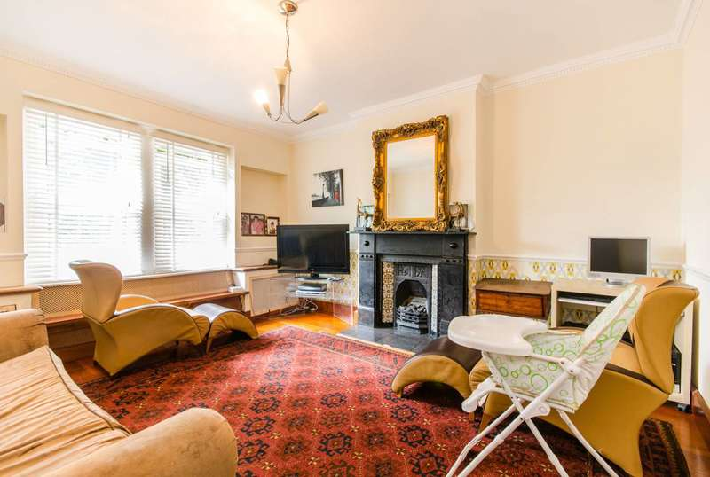 2 Bedrooms Flat for sale in Westcombe Hill, Greenwich, SE3