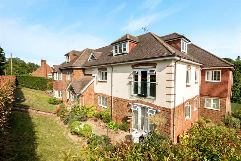 2 Bedrooms Flat for sale in Chesham Heights, St. Monicas Road, Tadworth, Surrey, KT20