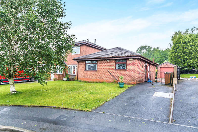 2 Bedrooms Semi Detached Bungalow for sale in Goodwood Drive, Oldham, OL1