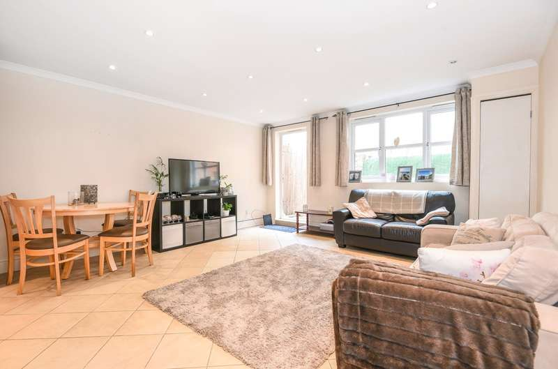 2 Bedrooms Ground Flat for sale in The Broadway, Wimbledon, SW19