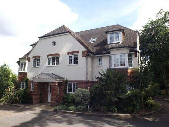 2 Bedrooms Flat for sale in 49 Ridgway Road, Farnham, Surrey