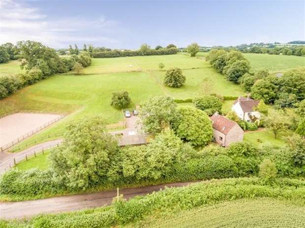 3 Bedrooms Detached House for sale in Knapp Hill, Leigh On Mendip
