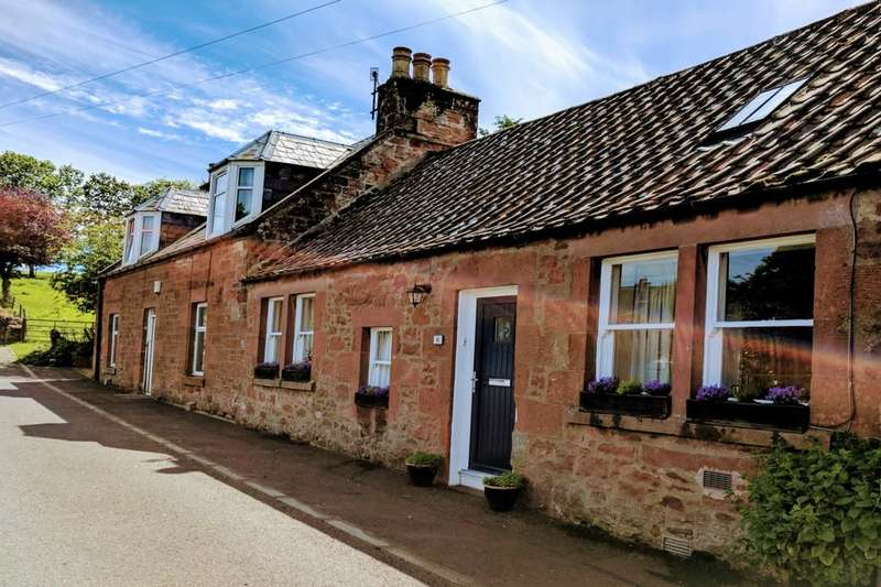 2 Bedrooms Semi Detached Bungalow for sale in Wellbank, Strathmiglo, Cupar, KY14
