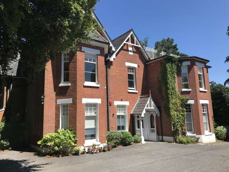 3 Bedrooms Apartment Flat for sale in WIMBORNE