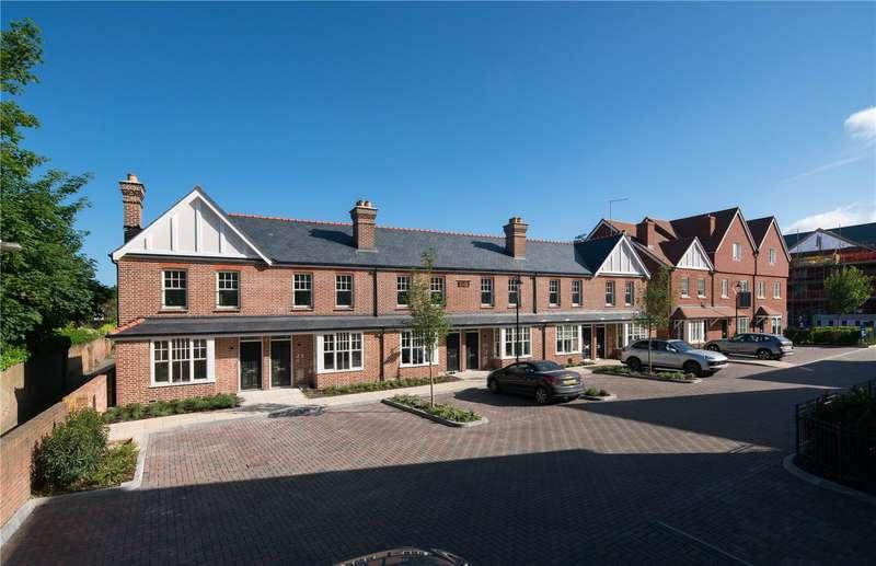 2 Bedrooms Terraced House for sale in Portland Gardens, Malthouse Way, Marlow, Buckinghamshire, SL7