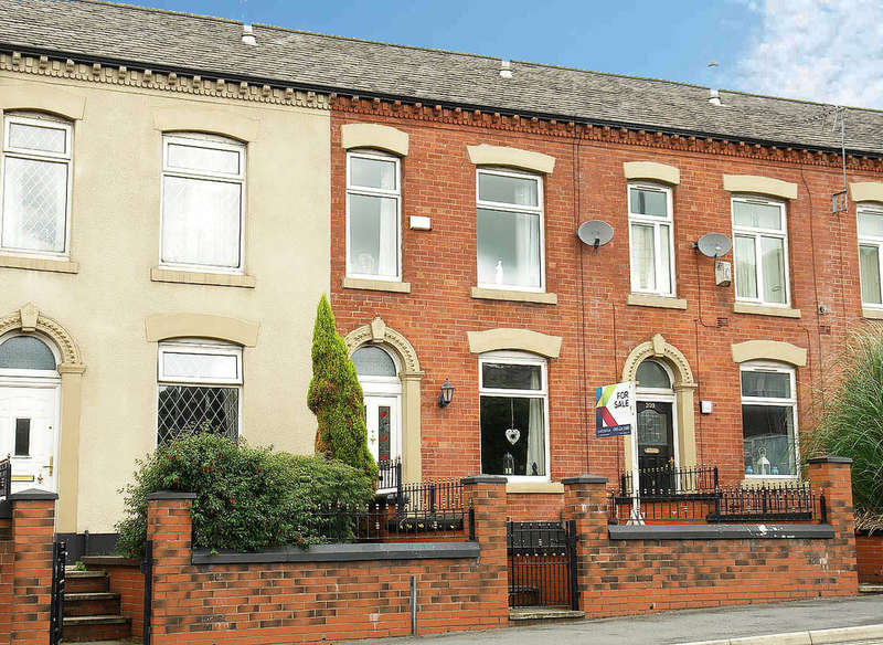 3 Bedrooms Terraced House for sale in Ripponden Road, Oldham
