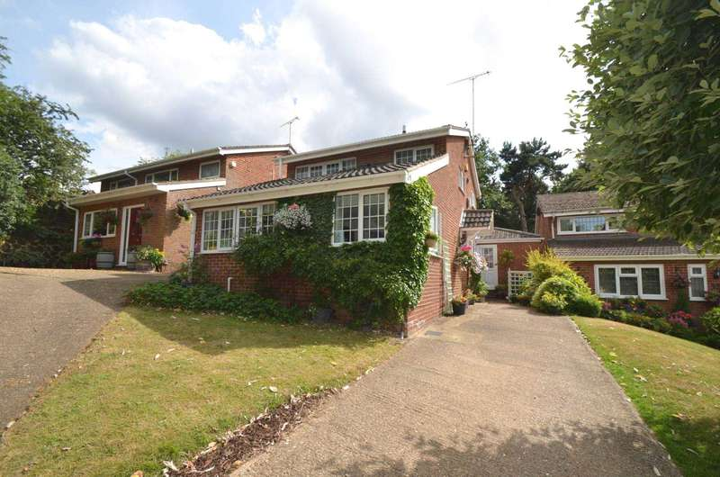 4 Bedrooms Detached House for sale in Abbey Walk, Leighton Buzzard