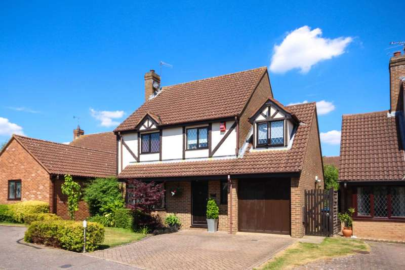 4 Bedrooms Detached House for sale in The Meadows, Fields End