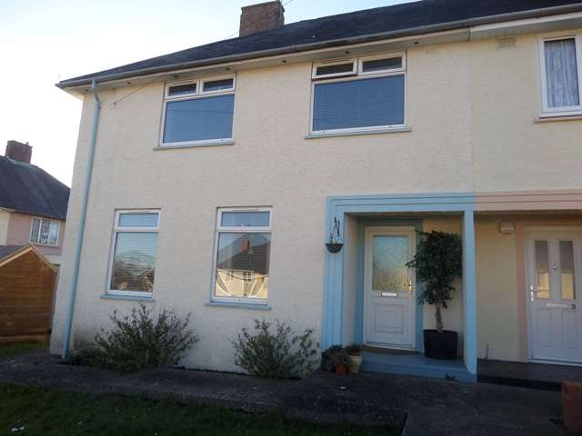 3 Bedrooms End Of Terrace House for sale in 3 Bed SEMI-DETACHED house, 1 Beaufort Road, Pembroke, SA71