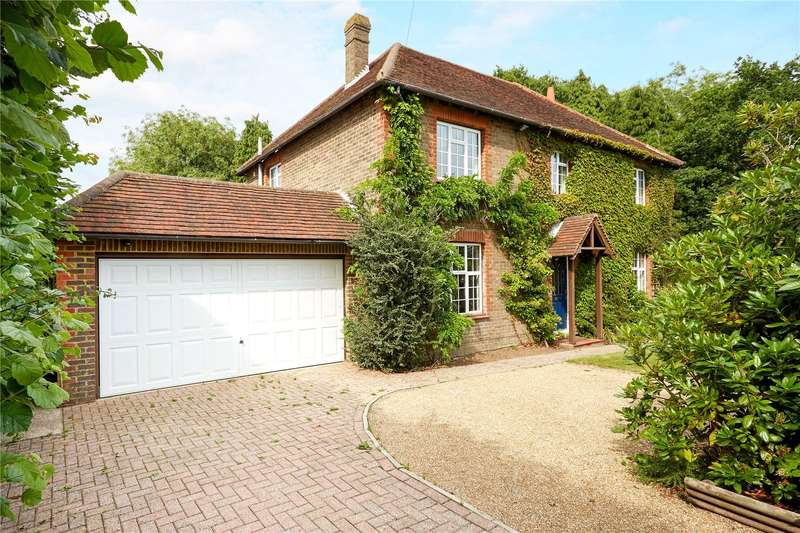 3 Bedrooms Detached House for sale in Blackness Road, Crowborough, East Sussex, TN6