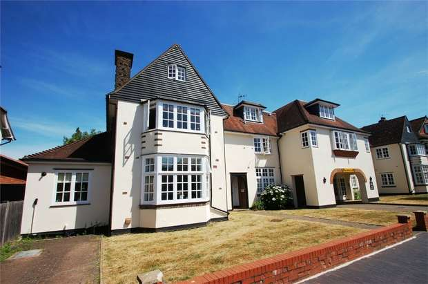 3 Bedrooms Flat for sale in 11 Avenue Road, St Albans, Herts