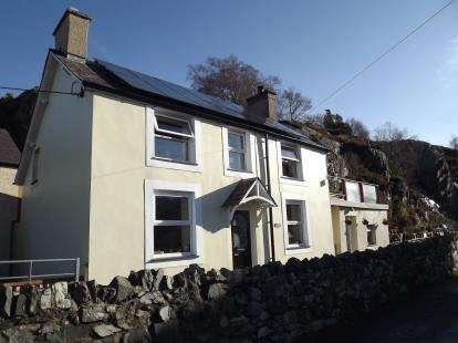 3 Bedrooms Detached House for sale in Brynrefail, Caernarfon, Gwynedd, LL55