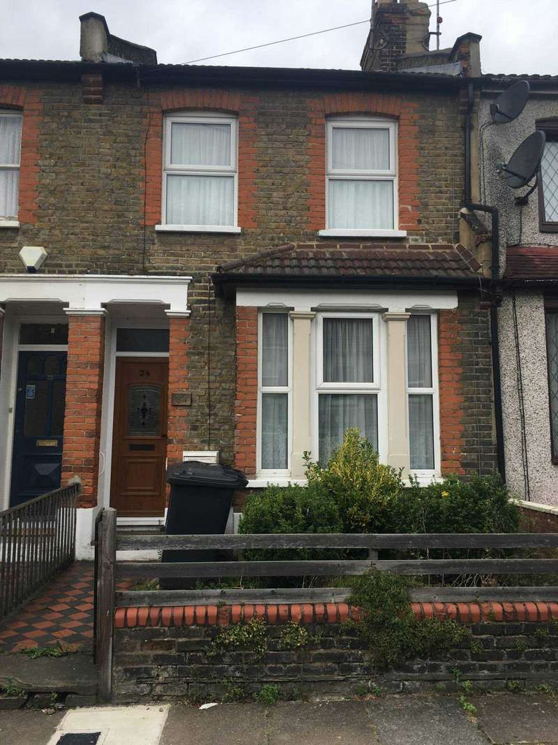 3 Bedrooms Terraced House for rent in Anne Of Cleves Road, Dartford