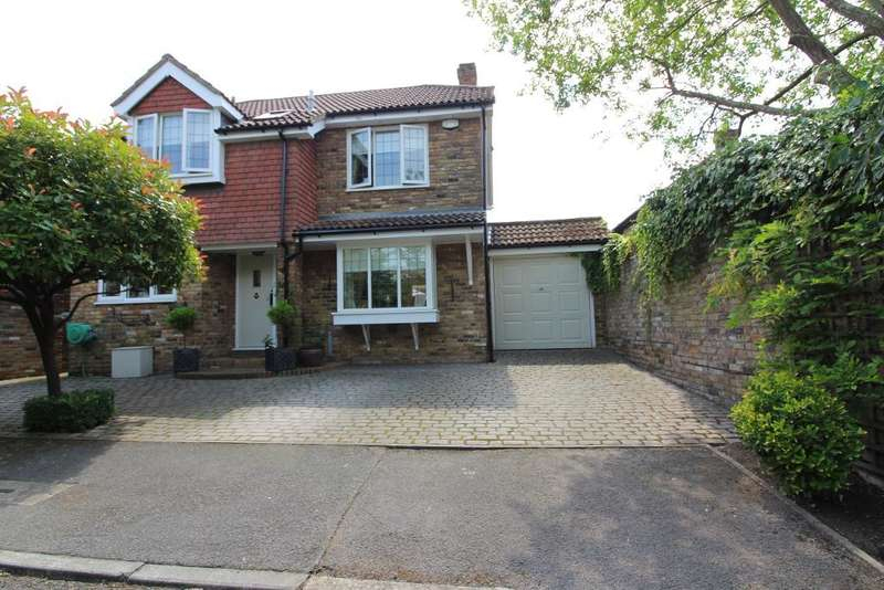4 Bedrooms Detached House for sale in Osgood Avenue, Orpington, Kent, BR6 6JT